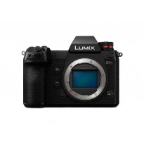 Panasonic LUMIX S1R (Solo body)